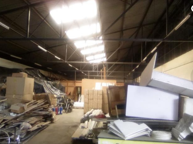 Warehouse and office space to let giroy properties7