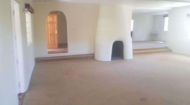 6 Bedroom Commercial : Office in Karen, Marula Lane for Rent 300k10