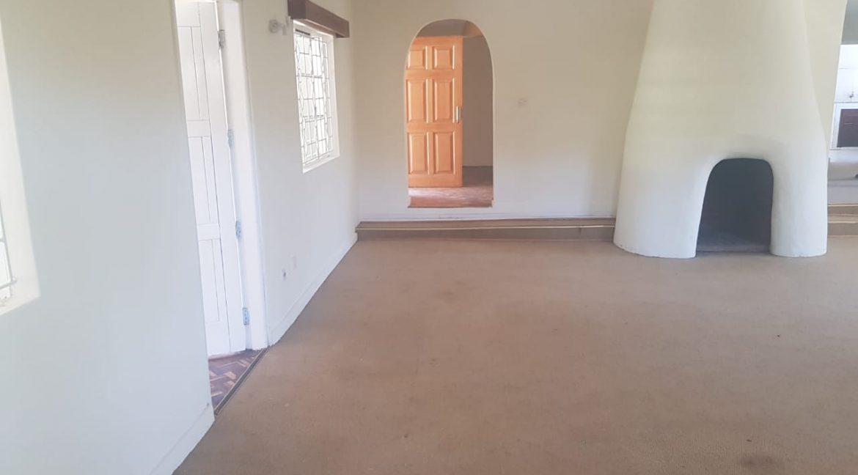 6 Bedroom Commercial : Office in Karen, Marula Lane for Rent 300k7