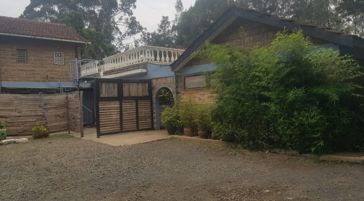 Commercial Property To Let Ideal for Restaurant or School in Prime Location in Karen2