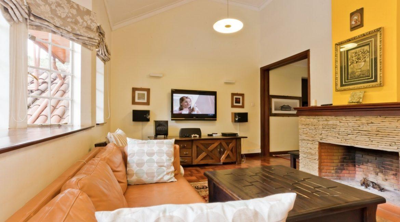 Rosslyn Loontree 4 Bedroom En-suite House11