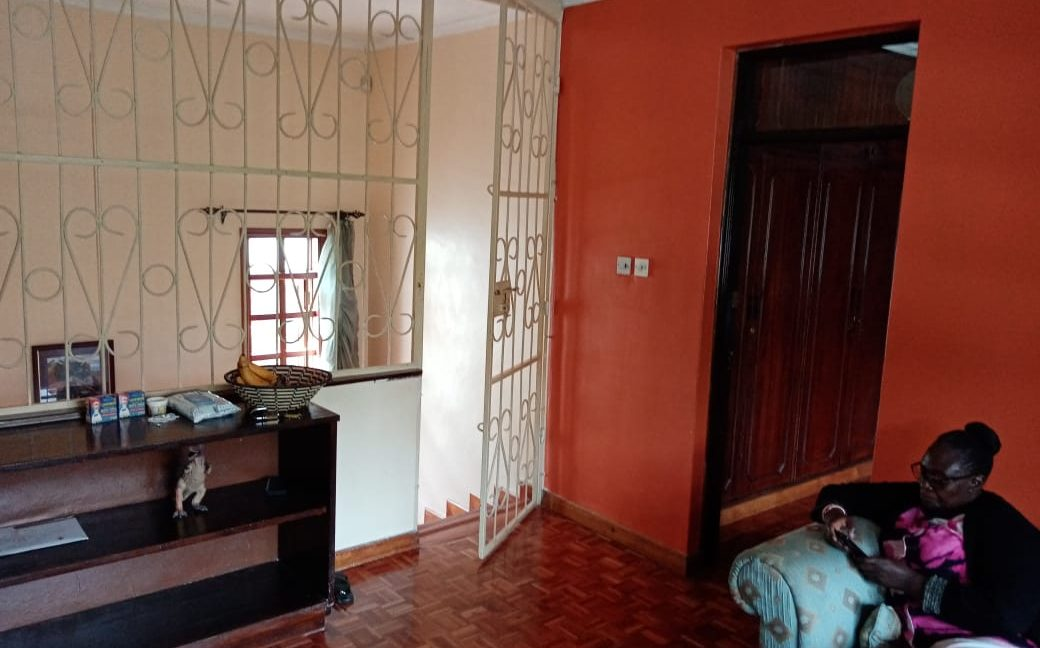4 Bedroom All Ensuite with Visitor Cloak Room Plus Dsq, Well Done Garden in 1:8 Are for Sale in Lavington, Nairobi at Ksh60M14