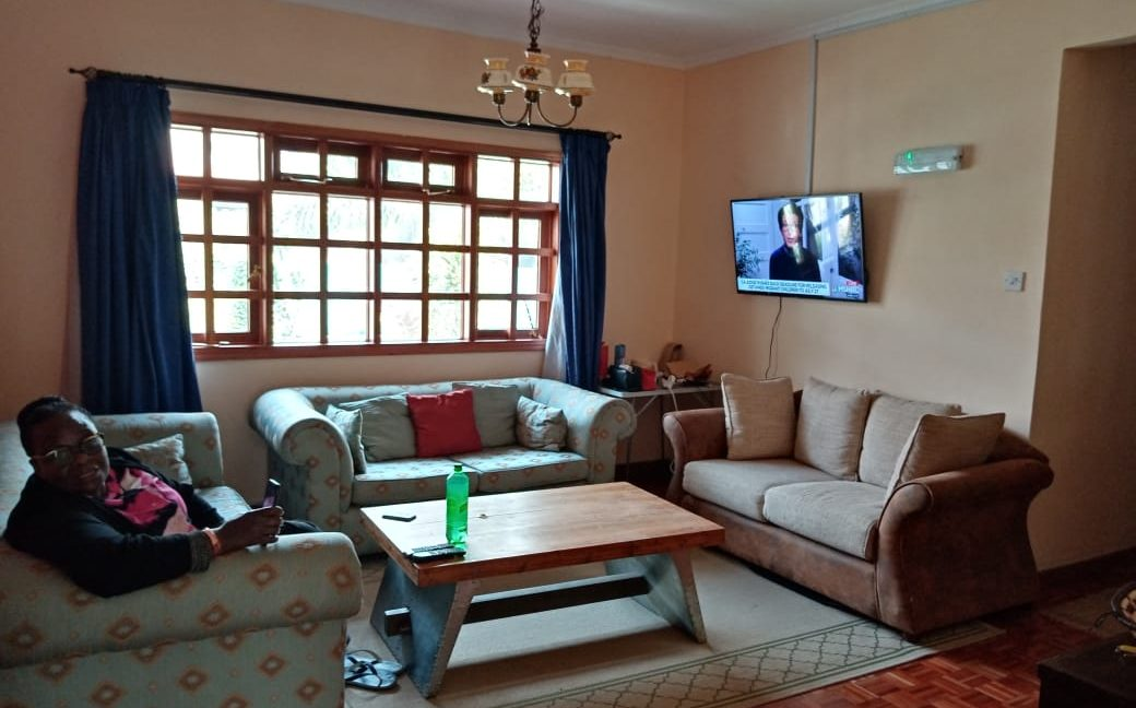 4 Bedroom All Ensuite with Visitor Cloak Room Plus Dsq, Well Done Garden in 1:8 Are for Sale in Lavington, Nairobi at Ksh60M21