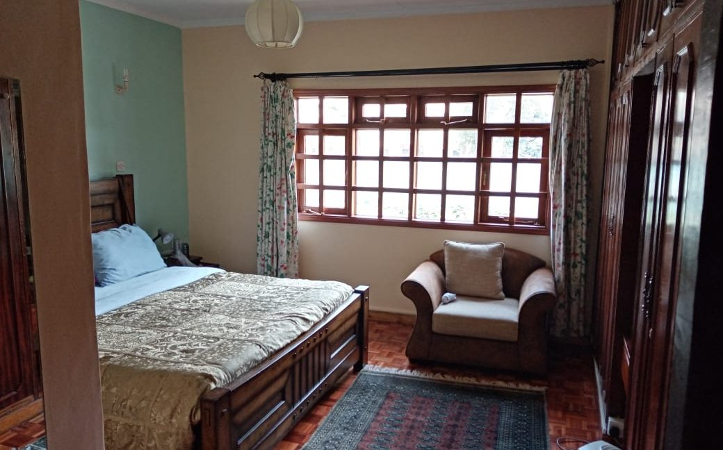 4 Bedroom All Ensuite with Visitor Cloak Room Plus Dsq, Well Done Garden in 1:8 Are for Sale in Lavington, Nairobi at Ksh60M23