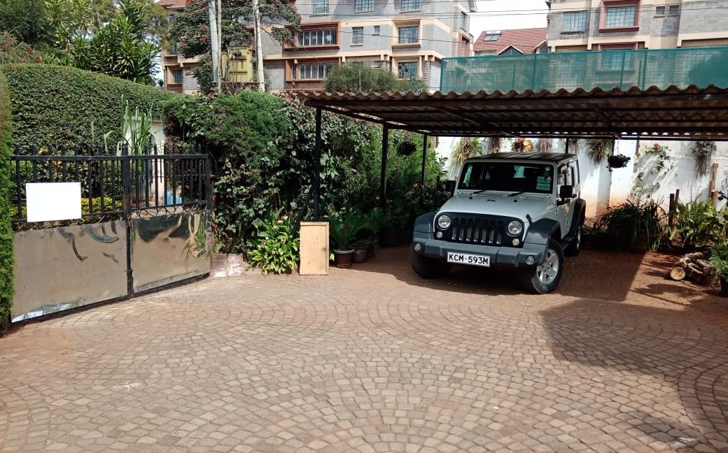 4 Bedroom All Ensuite with Visitor Cloak Room Plus Dsq, Well Done Garden in 1:8 Are for Sale in Lavington, Nairobi at Ksh60M3