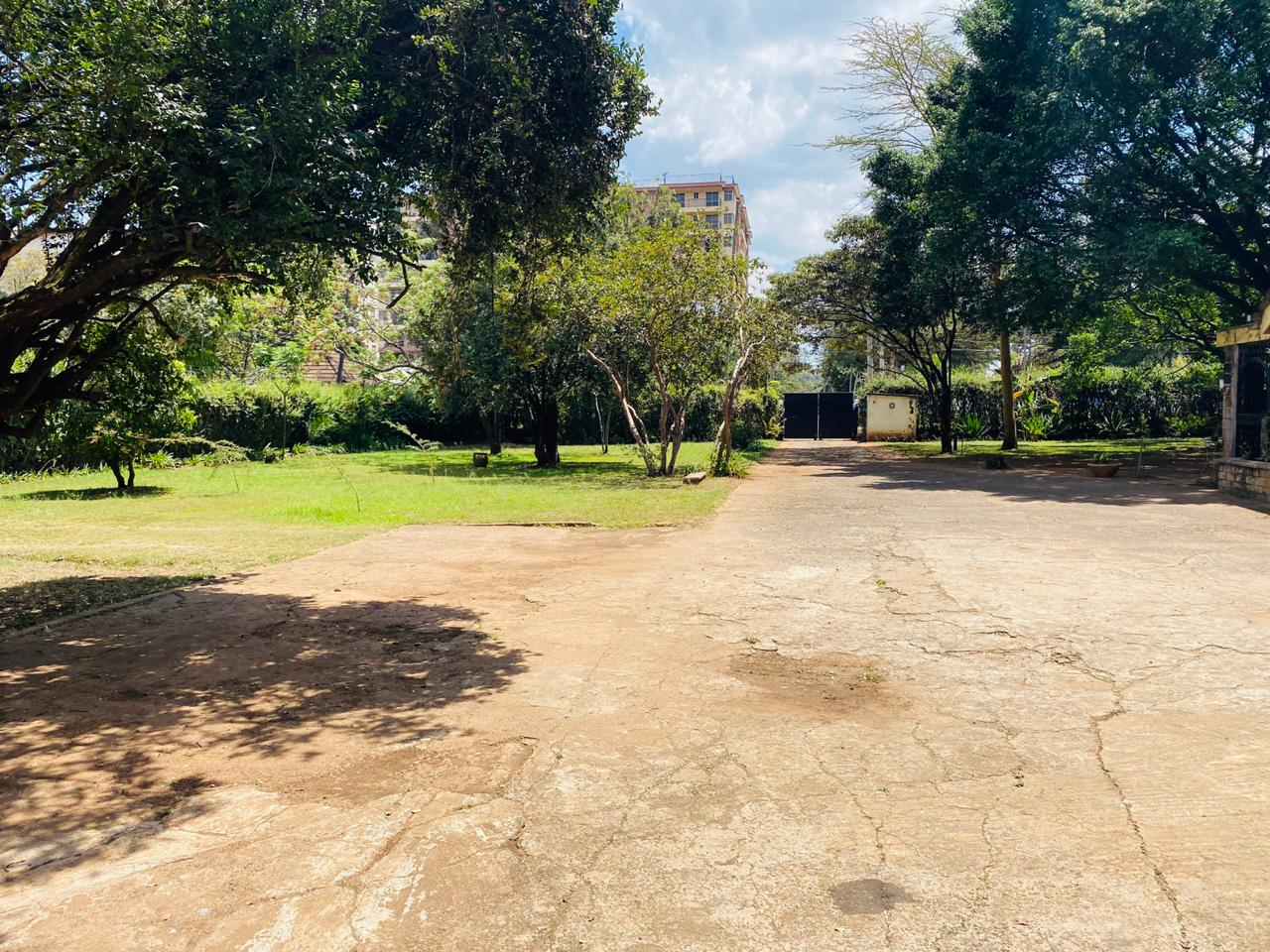 1.3 Acres of Prime Land for Sale in Kilimani off Argwings Kodhek Road, Going for Ksh650M – Negotiable