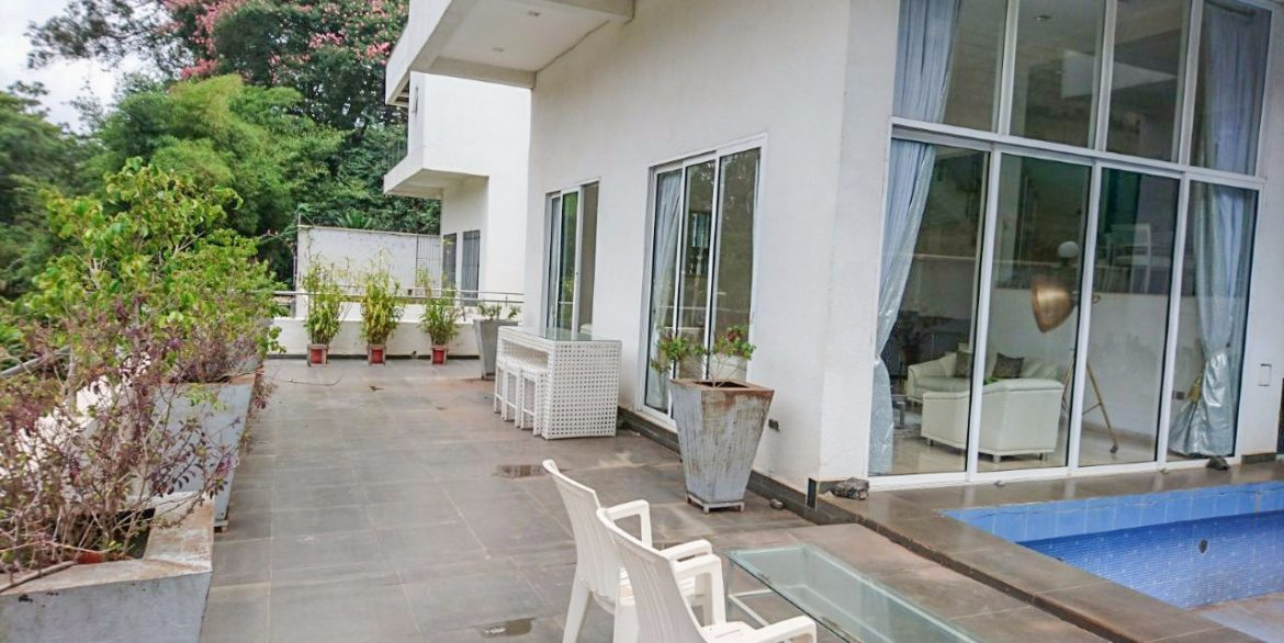 4 Bedrooms on 3 Floors for Sale in Westlands close to Westgate and Sarit Centre at Ksh70M1