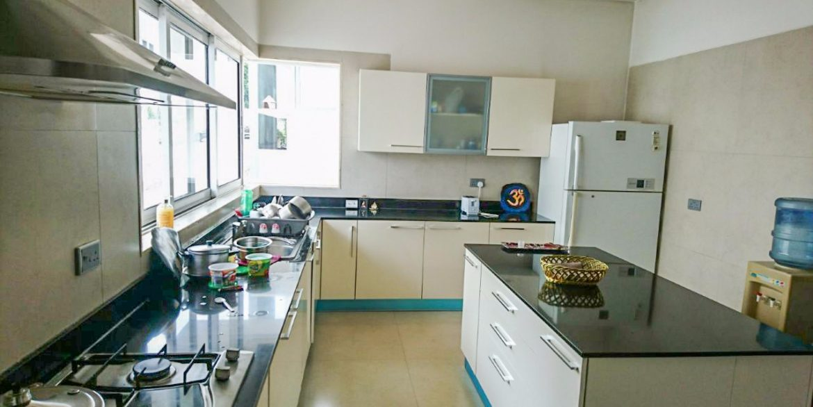 4 Bedrooms on 3 Floors for Sale in Westlands close to Westgate and Sarit Centre at Ksh70M12