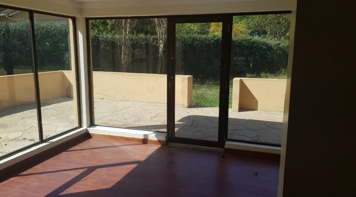 8 Roomed Property for Rent in Lavington Suitable for Office Use on 1 Acre at Ksh320k10