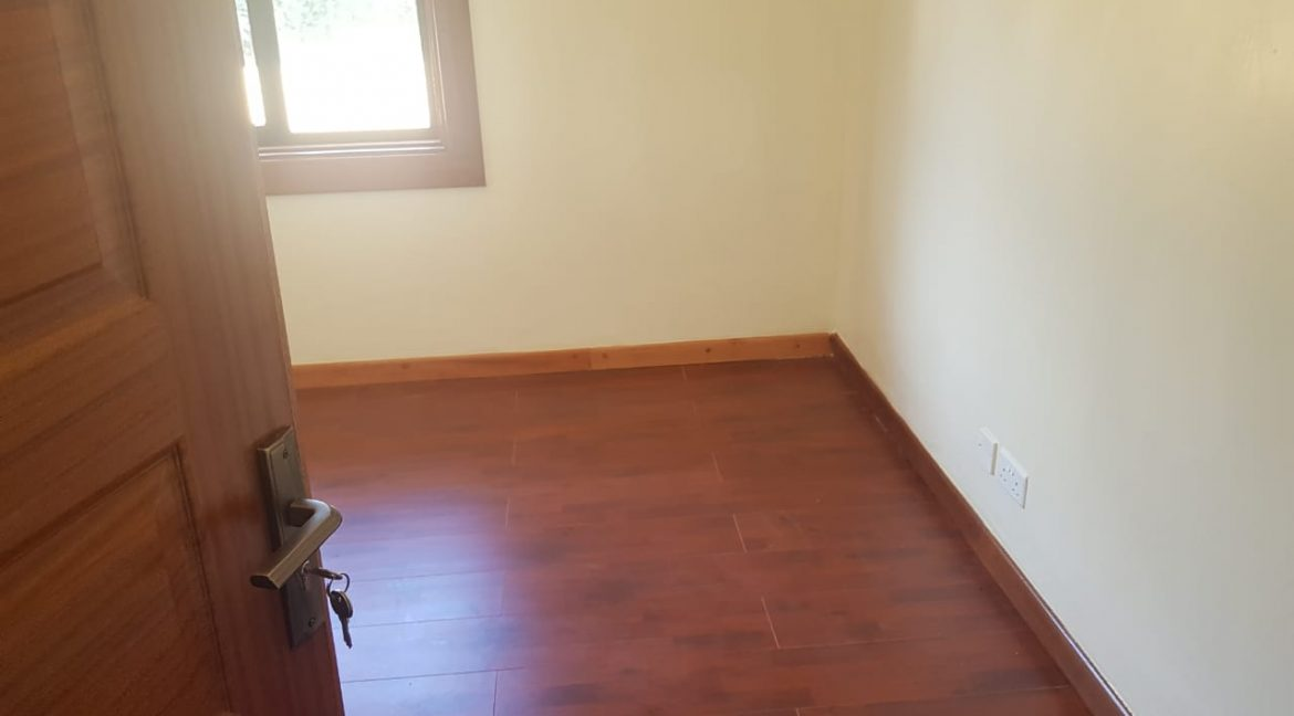 8 Roomed Property for Rent in Lavington Suitable for Office Use on 1 Acre at Ksh320k13