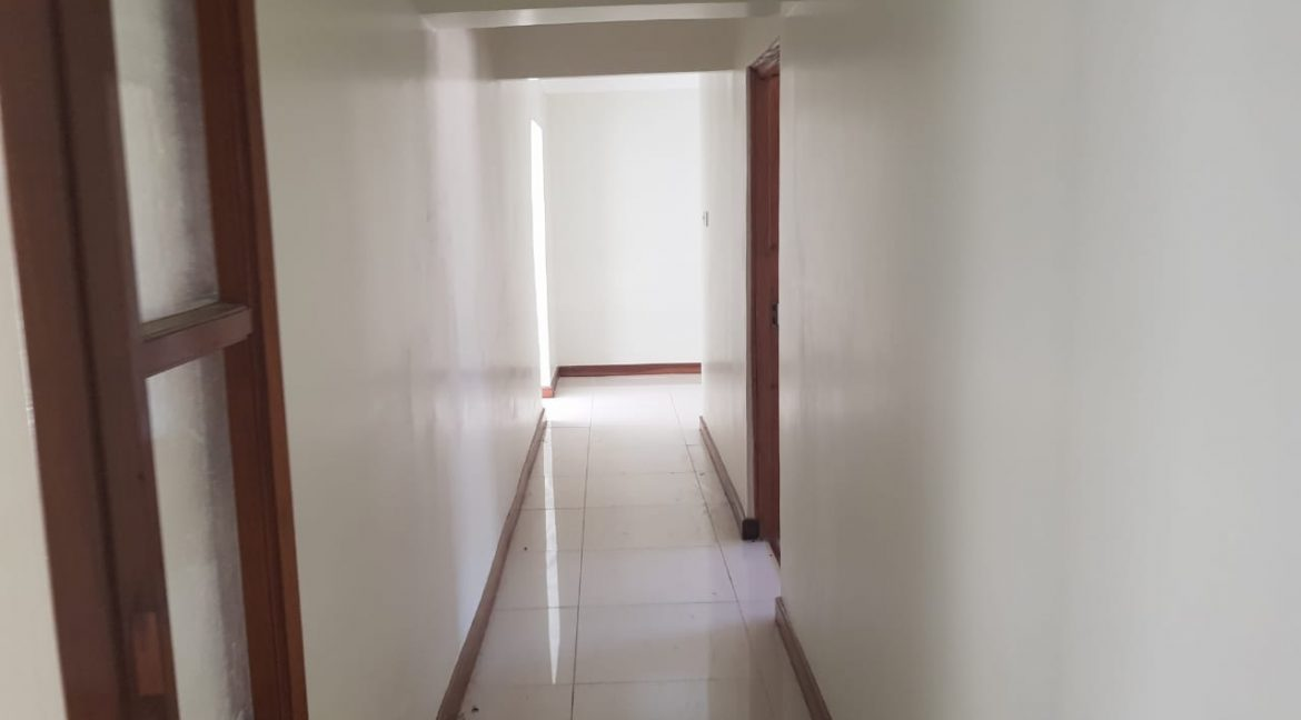 8 Roomed Property for Rent in Lavington Suitable for Office Use on 1 Acre at Ksh320k15