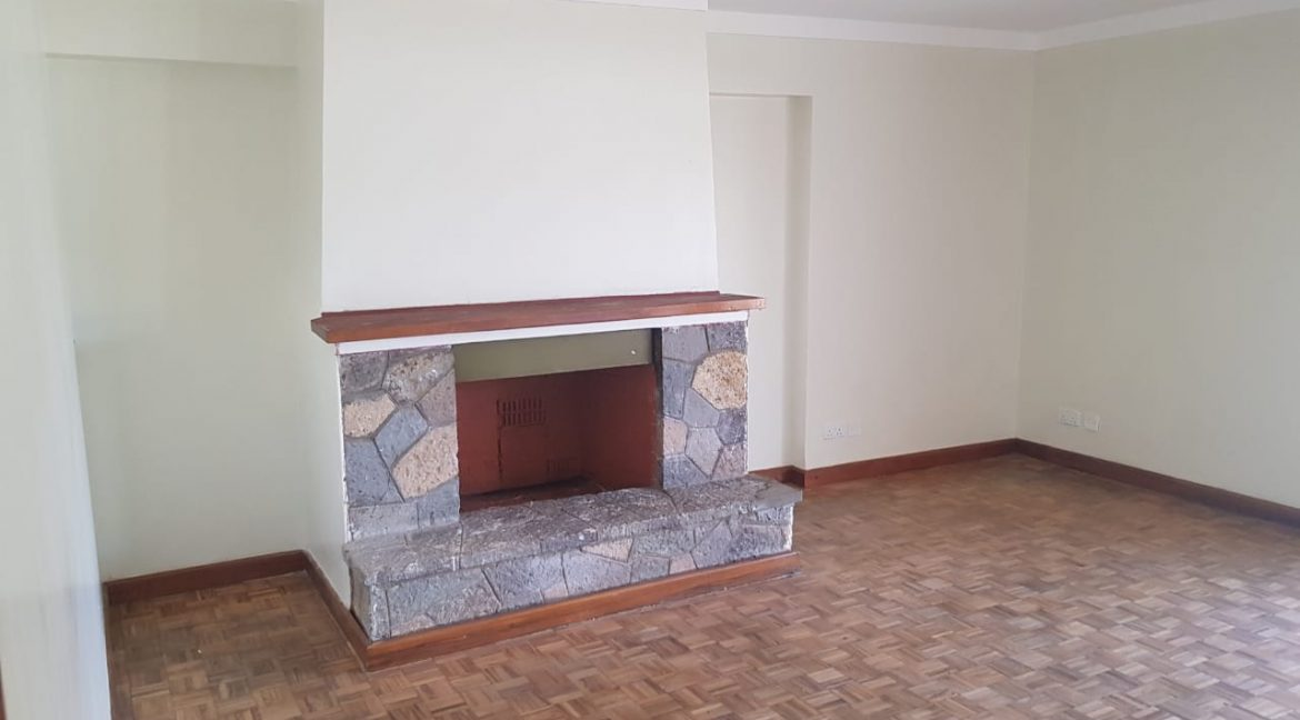 8 Roomed Property for Rent in Lavington Suitable for Office Use on 1 Acre at Ksh320k18