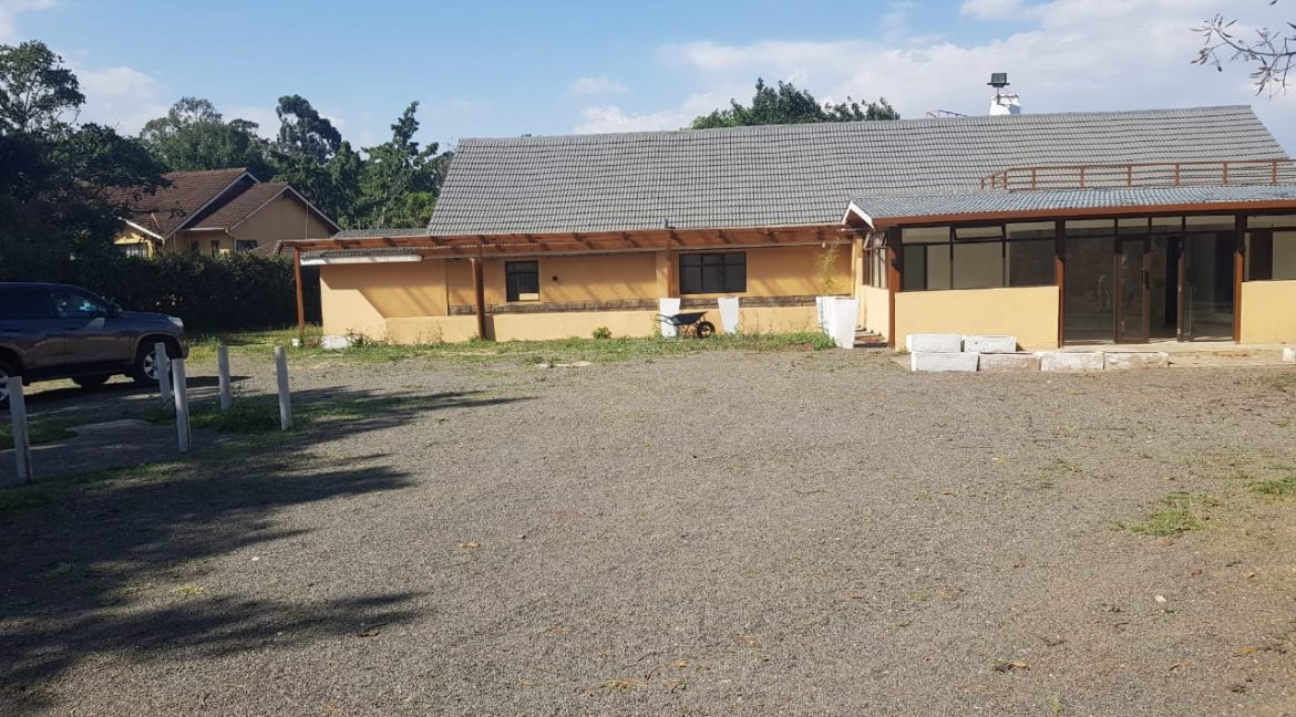 8 Roomed Property for Rent in Lavington Suitable for Office Use on 1 Acre at Ksh320k2