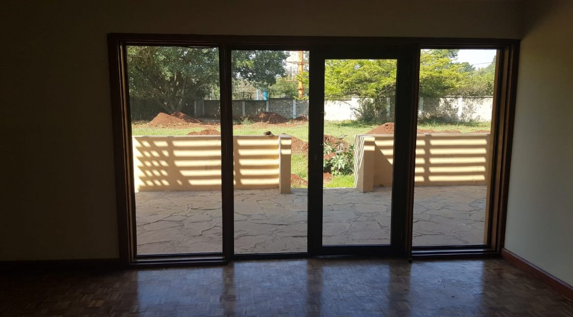 8 Roomed Property for Rent in Lavington Suitable for Office Use on 1 Acre at Ksh320k22
