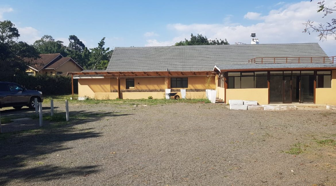 8 Roomed Property for Rent in Lavington Suitable for Office Use on 1 Acre at Ksh320k23