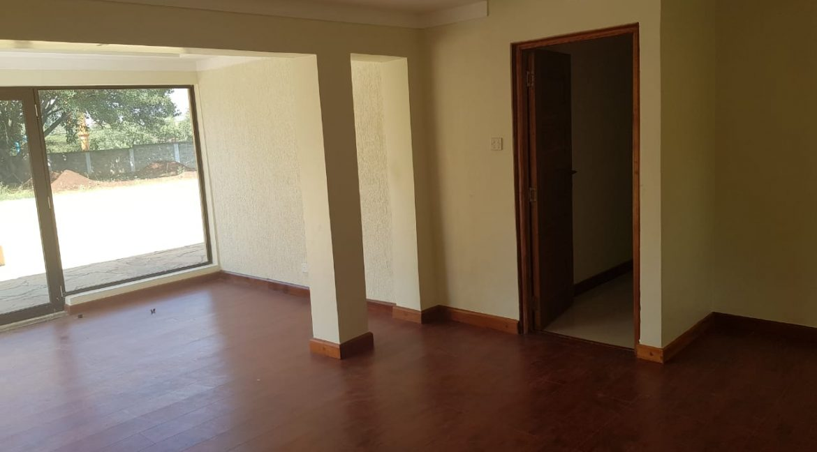 8 Roomed Property for Rent in Lavington Suitable for Office Use on 1 Acre at Ksh320k6
