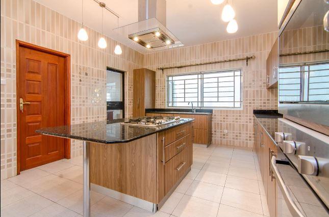 Cosy 3 Bedroom Apartment All ensuite + cloakroom to let along Rhapta road, Westlands at Ksh130k2