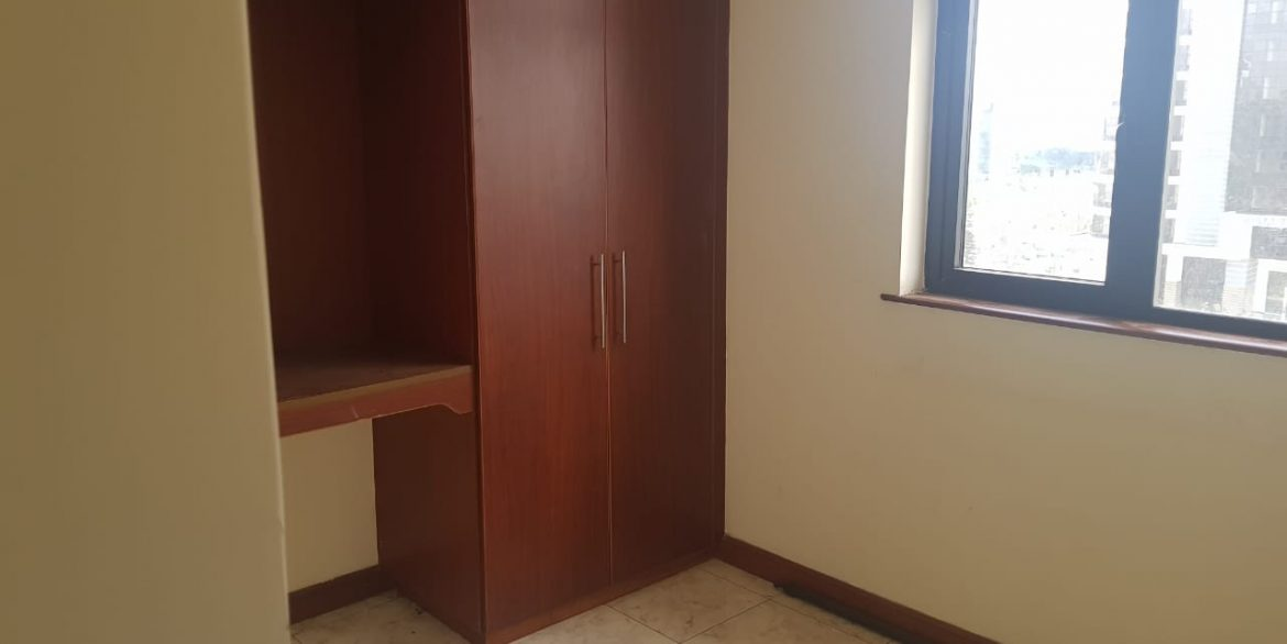 Two Bedrooms Plus Dsq with borehole water and lift in Killimani at Ksh85k2