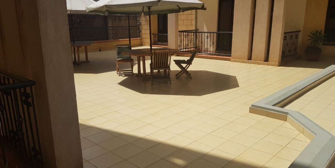 Two Bedrooms Plus Dsq with borehole water and lift in Killimani at Ksh85k25