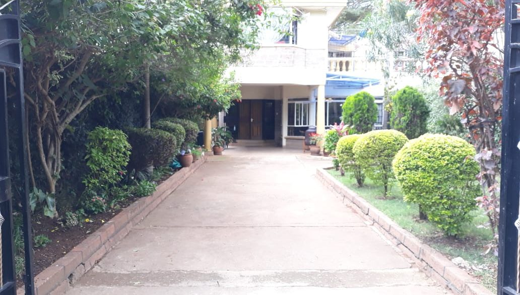 4 Bedroom House All Ensuite Plus SQ for Sale at Ksh58M in Kilimani off Argwings Kodhek towards Valley Arcade1