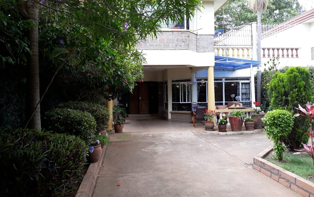 4 Bedroom House All Ensuite Plus SQ for Sale at Ksh58M in Kilimani off Argwings Kodhek towards Valley Arcade16