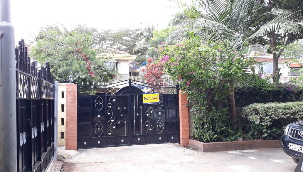 4 Bedroom House All Ensuite Plus SQ for Sale at Ksh58M in Kilimani off Argwings Kodhek towards Valley Arcade4