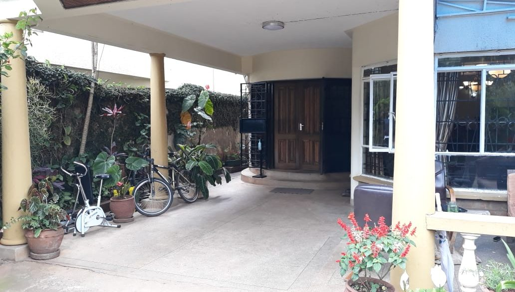 4 Bedroom House All Ensuite Plus SQ for Sale at Ksh58M in Kilimani off Argwings Kodhek towards Valley Arcade5