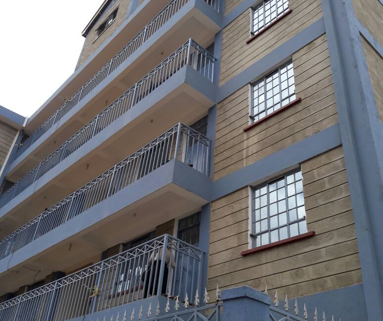 Kasarani Hunters Flat For Sale with Income of 400k:Monthly asking Ksh65M1