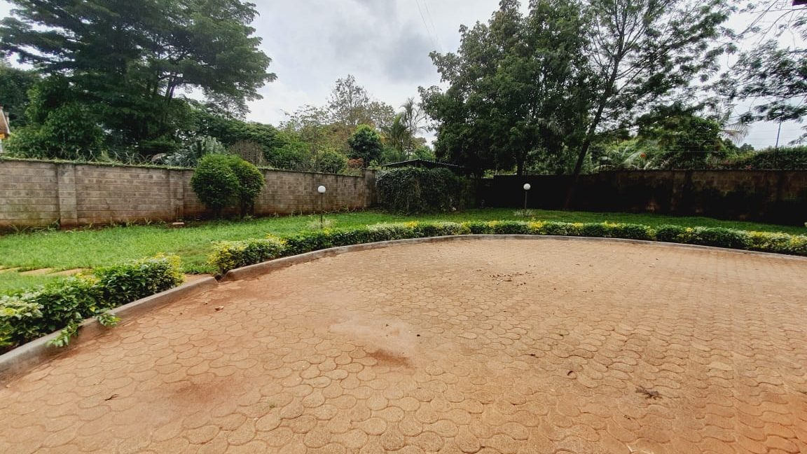 4 Bedrooms All En-suite House for Rent in a compound of 2 units Located Off Peponi Road 18