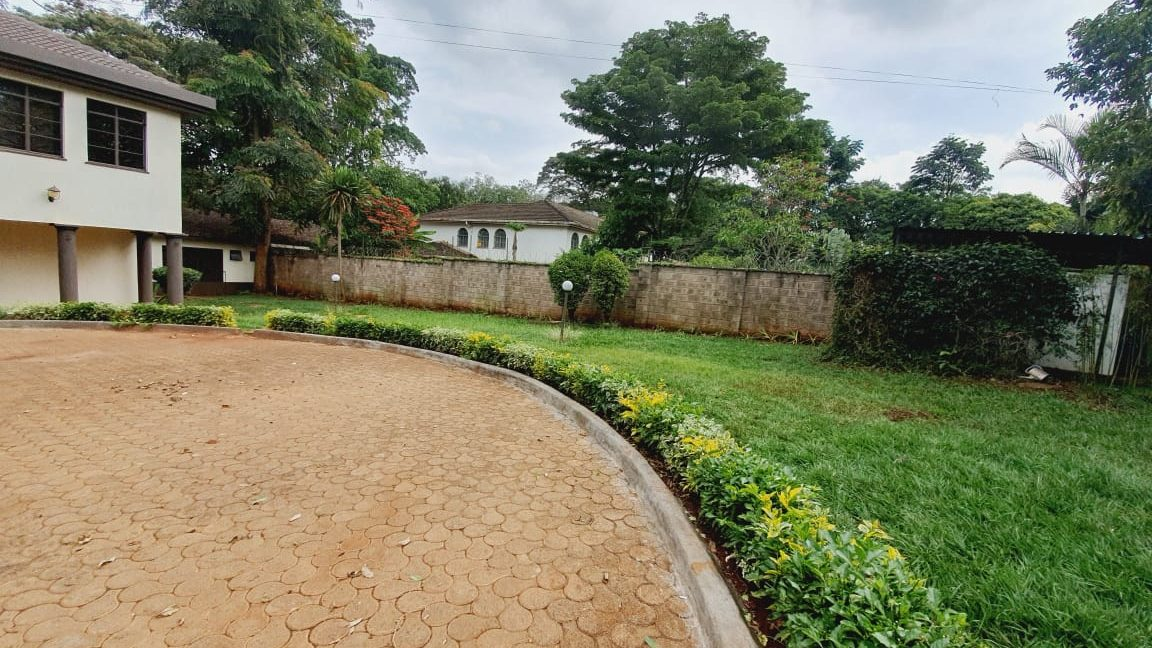 4 Bedrooms All En-suite House for Rent in a compound of 2 units Located Off Peponi Road 5