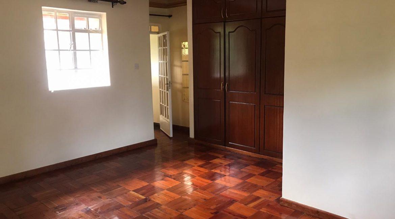 5 Bedroom all en-suite, Garden, Family Room Spacious asking Ksh200k8
