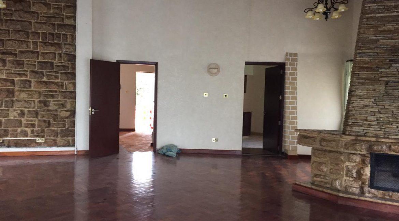 5 Bedrooms House All en-suite on Half an Acre for rent at Ksh400k14