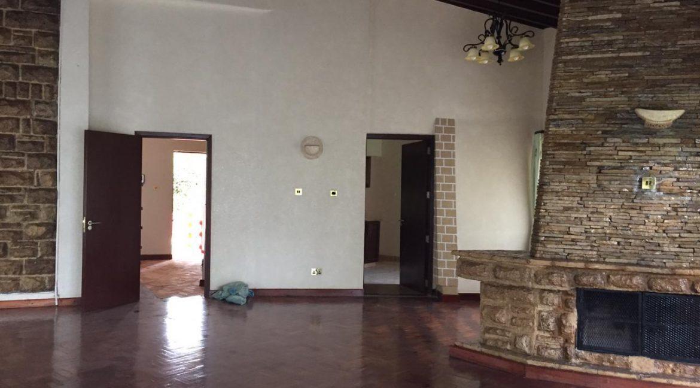 5 Bedrooms House All en-suite on Half an Acre for rent at Ksh400k15