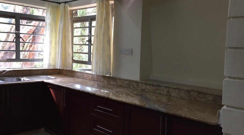 5 Bedrooms House All en-suite on Half an Acre for rent at Ksh400k16