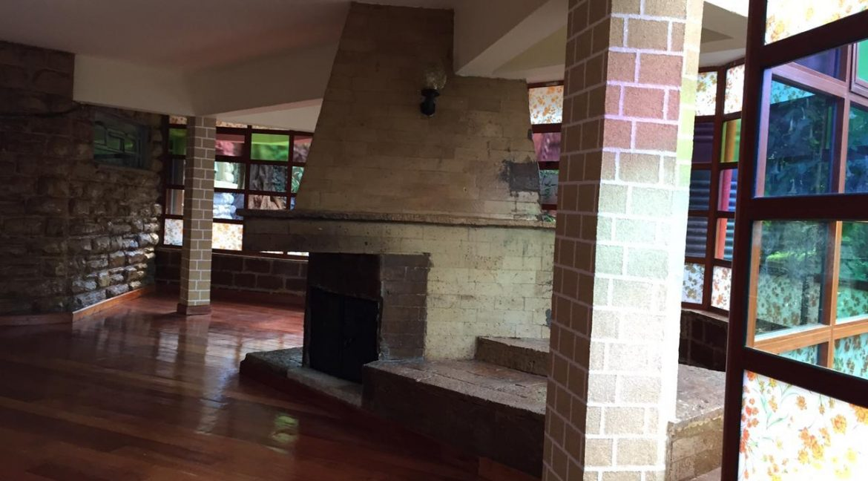5 Bedrooms House All en-suite on Half an Acre for rent at Ksh400k5