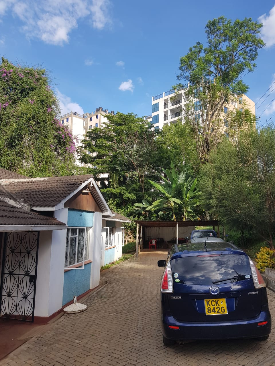 Property for Sale in Kileleshwa, Gatundu Cresent Road, with 0.645 acres, leasehold, asking Ksh155M