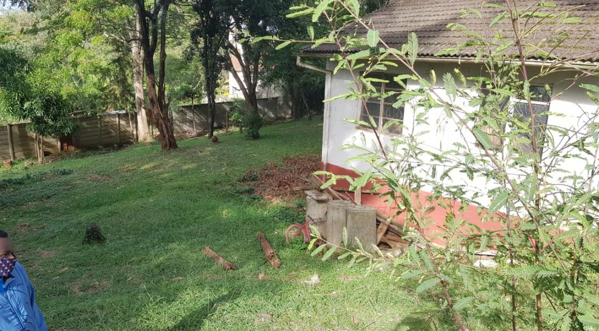 Property for Sale in Kileleshwa, Gatundu Cresent Road, with 0.645 acres, leasehold, asking Ksh155M4
