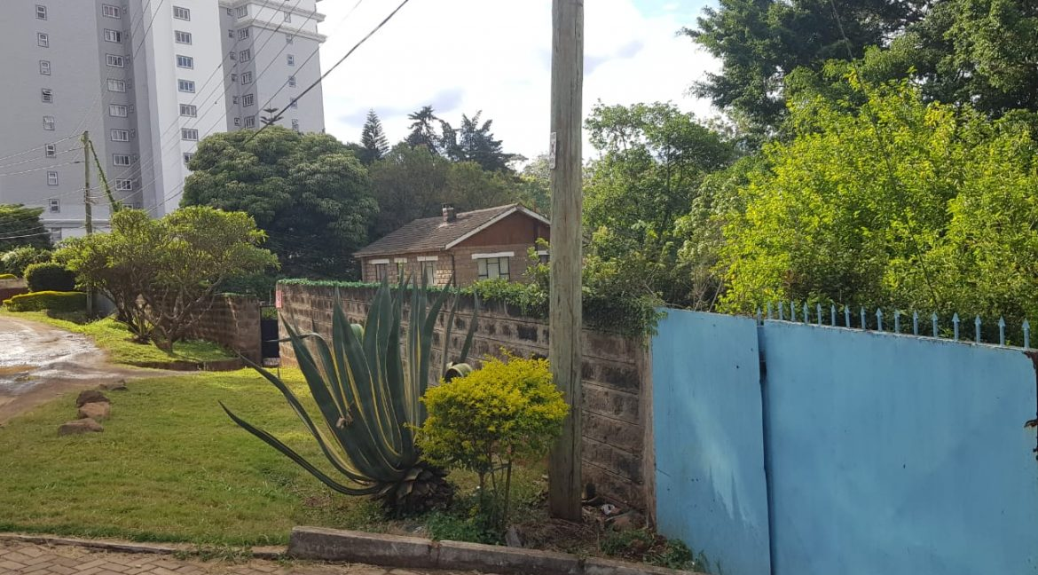 Property for Sale in Kileleshwa, Gatundu Cresent Road, with 0.645 acres, leasehold, asking Ksh155M9