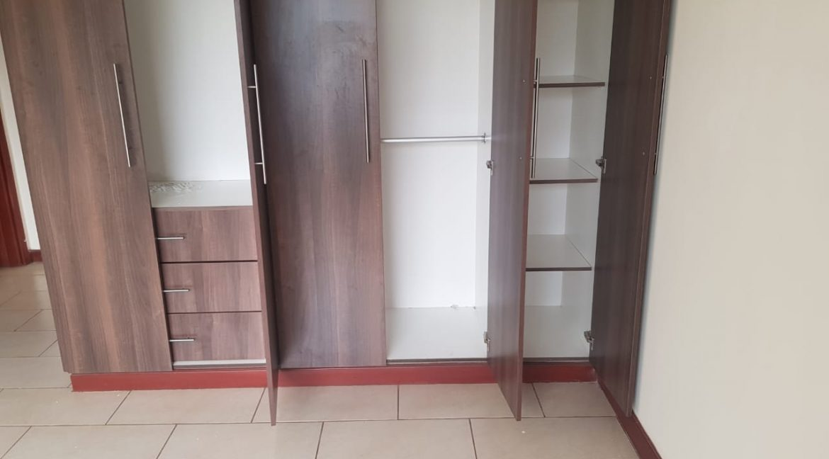 3 Bedroom All Ensuite Plus DSQ for Rent on Raphta Road with Pool, full back up generator, Gym, Lifts at Ksh100k10