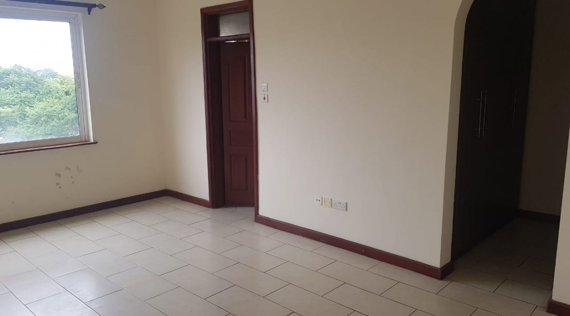 3 Bedroom All Ensuite Plus DSQ for Rent on Raphta Road with Pool, full back up generator, Gym, Lifts at Ksh100k14