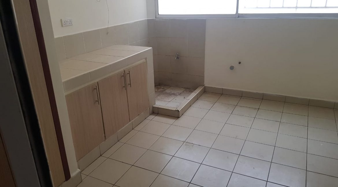 3 Bedroom All Ensuite Plus DSQ for Rent on Raphta Road with Pool, full back up generator, Gym, Lifts at Ksh100k19