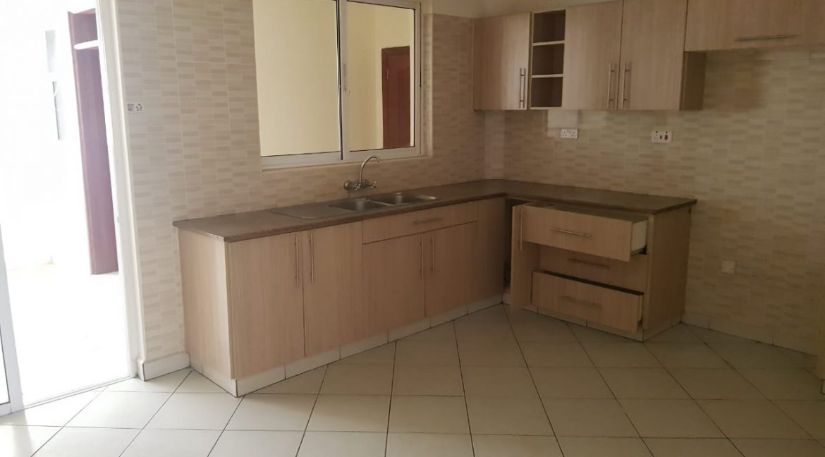 3 Bedroom All Ensuite Plus DSQ for Rent on Raphta Road with Pool, full back up generator, Gym, Lifts at Ksh100k20