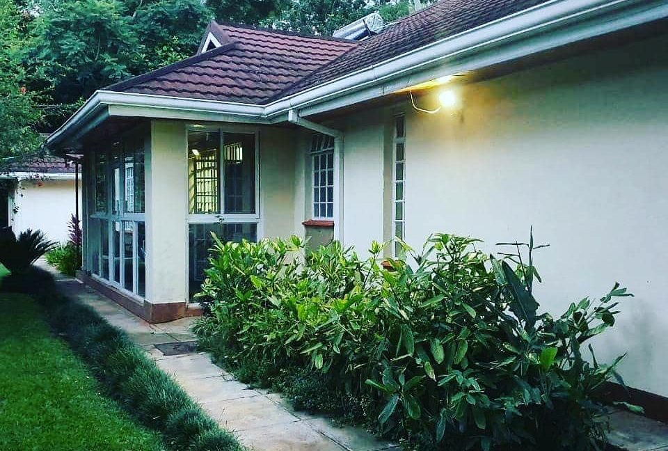Beautiful Home for Sale with 4 Bedroom Master Ensuite, DSQ for 2 and Garage in Miotoni Sitting on half an acre at Ksh70M4