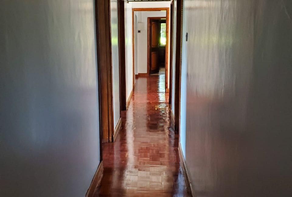 4 Bedroom Bungalow for Rent at Ksh300k in Lavington built on 1 Acre21