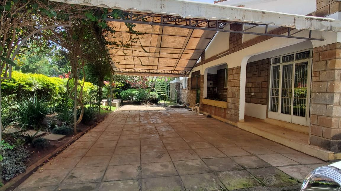 4 Bedroom Bungalow for Rent at Ksh300k in Lavington built on 1 Acre5
