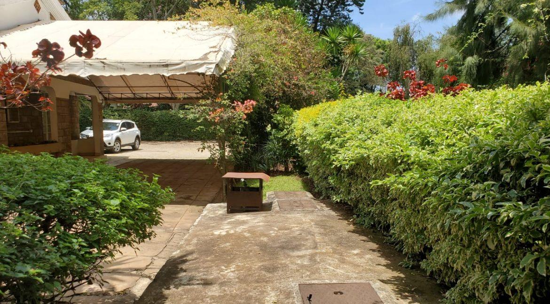 4 Bedroom Bungalow for Rent at Ksh300k in Lavington built on 1 Acre9