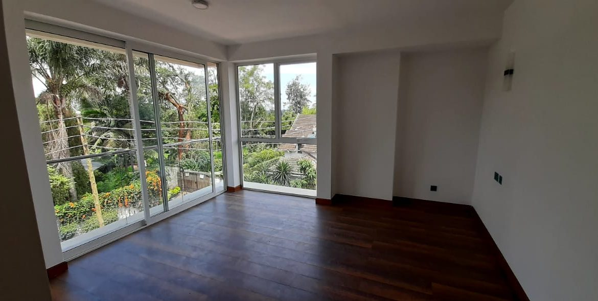 4 Bedroom Town House To Let Lavington, Nairobi at Ksh350,000 per month including service charge19