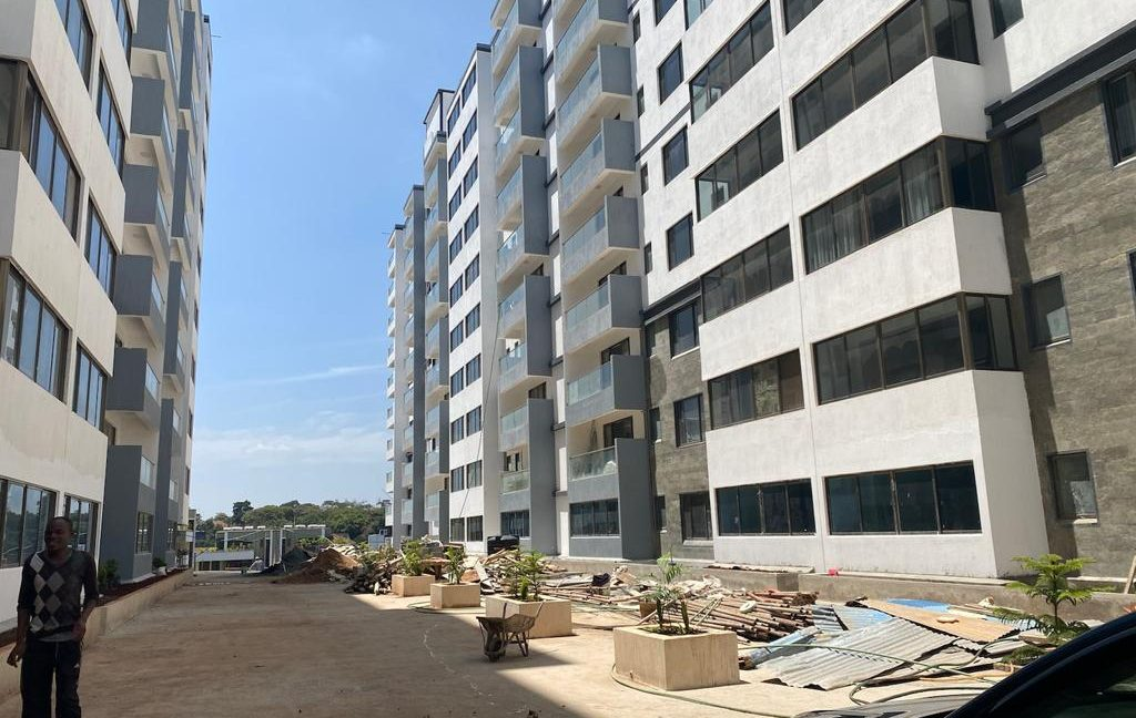Homely 4 bedroom Apartment with DSQ for sale in Lavington, along Hatheru Road for Sale at Ksh19M1