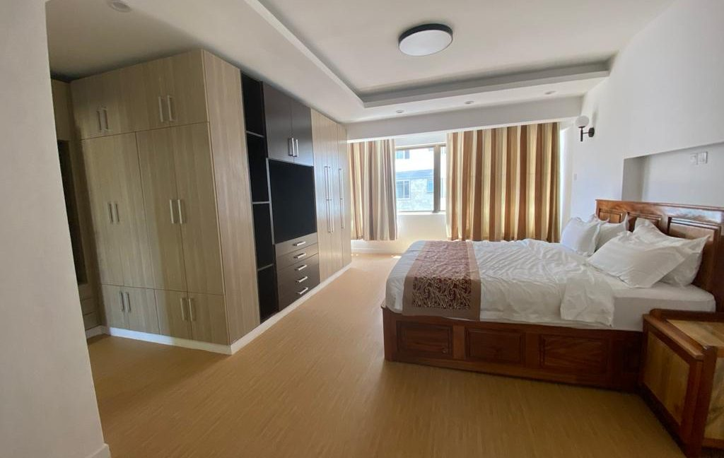 Homely 4 bedroom Apartment with DSQ for sale in Lavington, along Hatheru Road for Sale at Ksh19M24