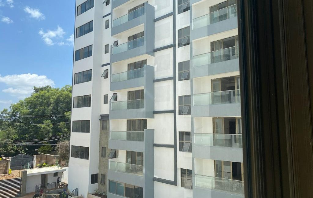 Homely 4 bedroom Apartment with DSQ for sale in Lavington, along Hatheru Road for Sale at Ksh19M6